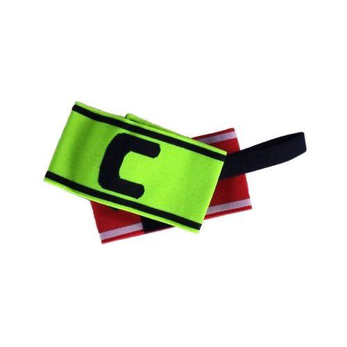 """Kapitänsbinde mit der Markierung """"C"""" (Kapitän) in roter und gelber Farbe"""